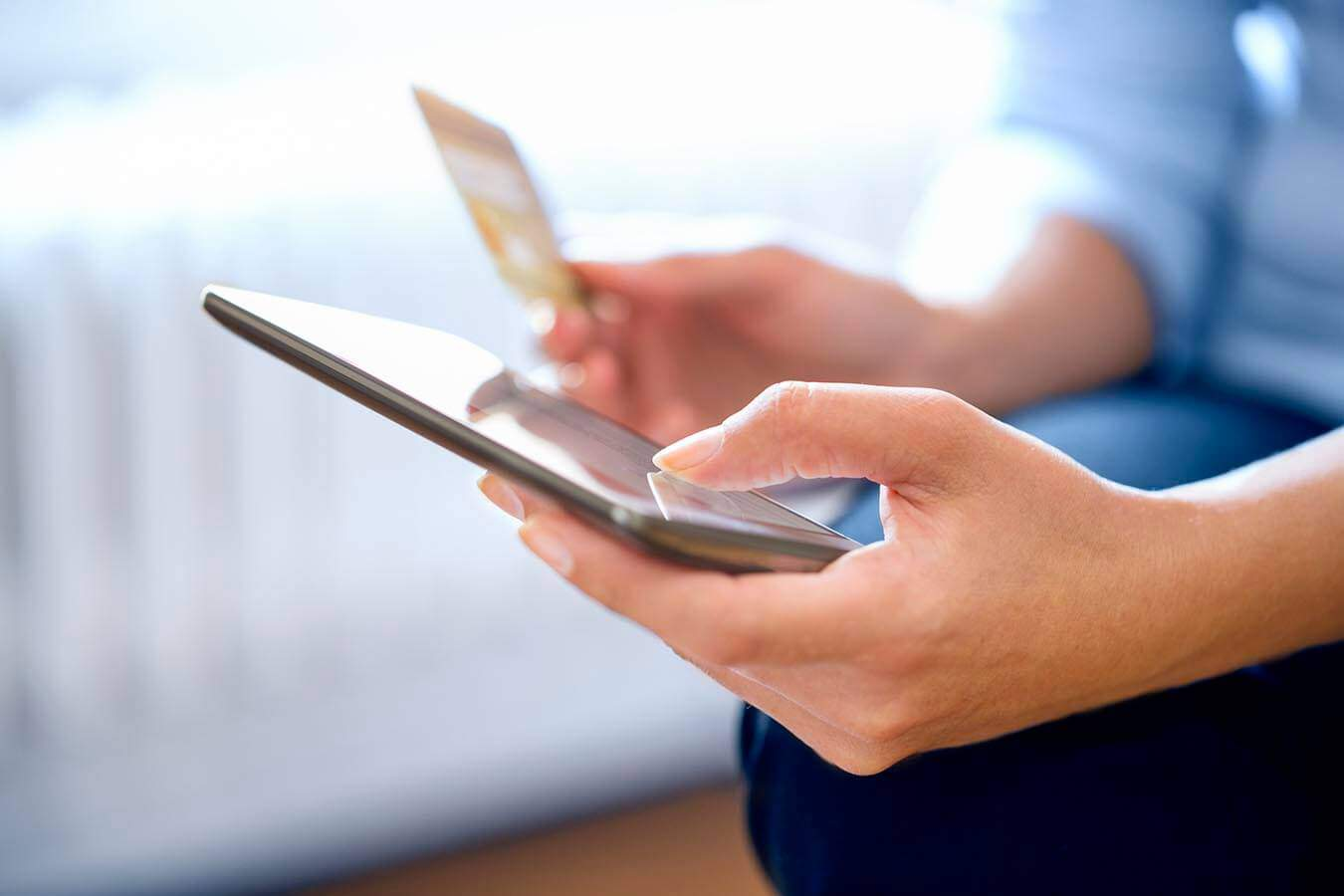 Face-to-face payments: Mobile vs Plastic